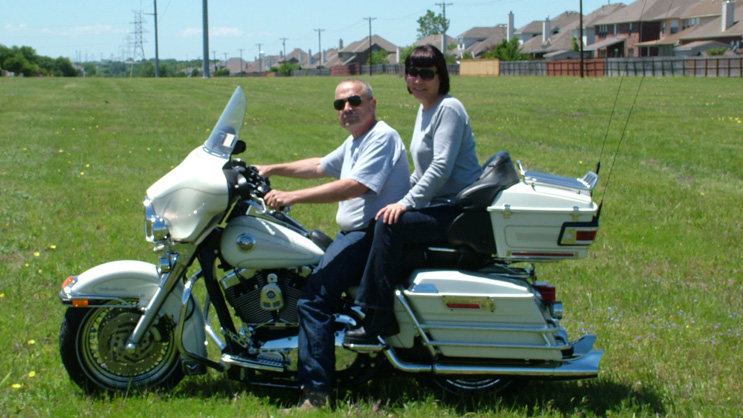 """Bill Gillmore and his wife, Janice, in early 2010. Bill has a clean bill of health after his surgery at the pancreatic cancer to remove an""""inoperable"""" pancreatic tumor."""