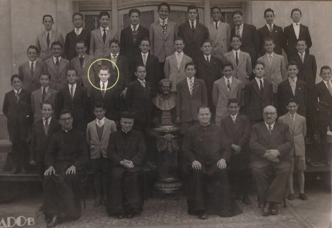 Jorge Mario Bergoglio (fourth boy from the left on the third row from the top) at age 12, while studying at the Salesian College.