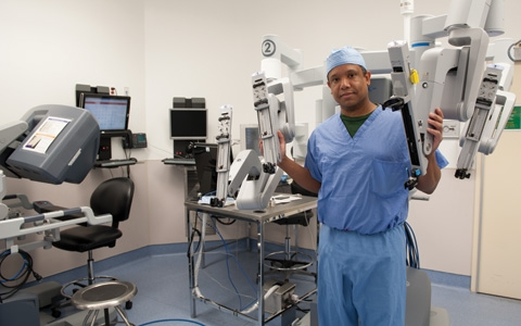 Steven Lee-Kong, MD has received advanced training in and oversees the performance of all robotic colorectal procedures in the division.