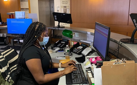 Meet Essence, one of our frontline workers. Essence wears a mask every day while working with patients and their loved ones at reception on the 8th floor.